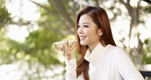 Girl Model 5 Cafe 1 300x160