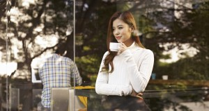 Girl Model 5 Cafe 6 300x160