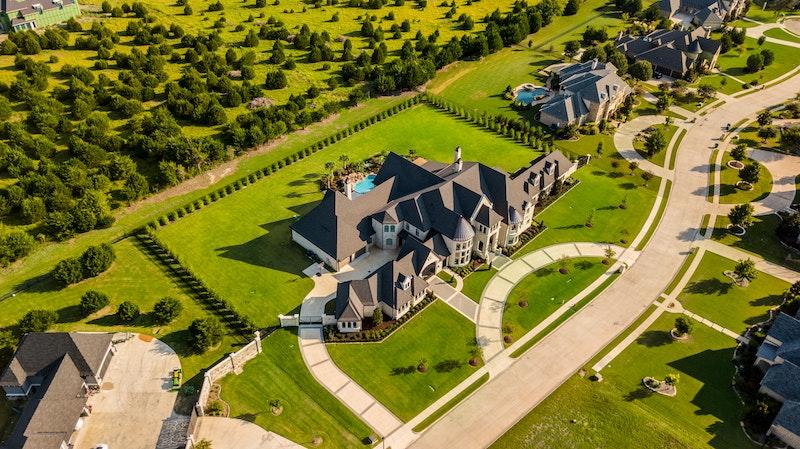 Luxury Mansion 1