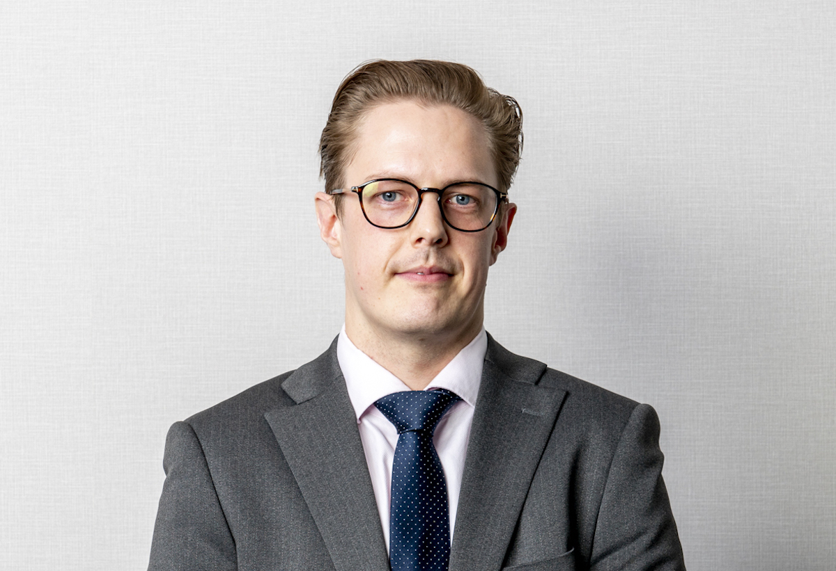 Cameron Systermans Portfolio Manager At Mercer