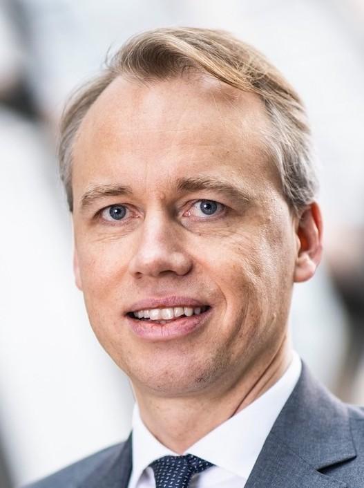 Deutsche Bank Alexander Von Zur Muehlen Headshot